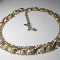 """Vintage Gold Tone Brushed Open Link Monet Choker Necklace that is 14"""" long with a 3"""" extender, 1970-80's"""