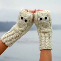Hedwig owl fingerless mittens / gloves in white made by CozySeason