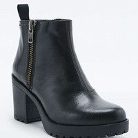 Vagabond Grace Black Side Zip Ankle Boots - Urban Outfitters