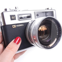 Vintage Yashica Electra 35 Camera  1960s 1970s by MaejeanVINTAGE