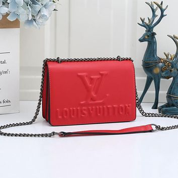 Louis Vuitton LV new ladies embossing trend one-shoulder chain messenger bag