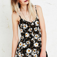 Kimchi Blue Playsuit in Daisy Print - Urban Outfitters