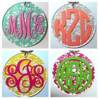 Monogrammed Damask Pattern Keychain - Tons of Colors and Monogram Styles - Bridesmaid Newlywed Teacher Big Little Sorority Sister Mom