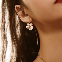 Flower Shaped Earrings 1pair