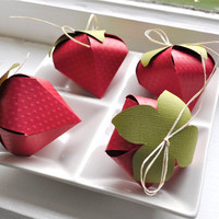 Strawberry shaped favor boxes 4 by imeondesign on Etsy