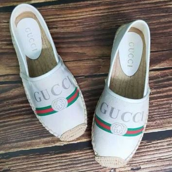 GUCCI 2019 new women's wild red and green vertical straw fisherman shoes