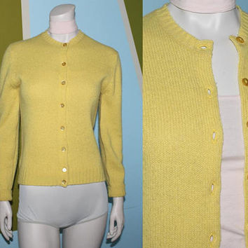 Vintage 70s BUTTERCUP YELLOW CARDIGAN Sweater / Scottish Pure Wool / Button Down Knit / Crew Neck, Long Sleeve Jumper / Layer Winter / Small