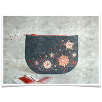 Wool Felt Coin Purse // Hand Embroidered // Sakura // LoftFullOfGoodies
