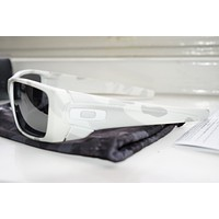 Oakley Mens Fuel Cell Sunglasses Multicam Alpine White Camo Black Iridium