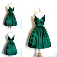 2014 New Arrival Real Sample Picture A Line V Neck Emerald Green Taffeta Short Prom Dress Women Free Shipping WH470