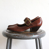 Vintage 80s Brown Leather Pointed Mary Jane Heels with Buckles // Women's 8