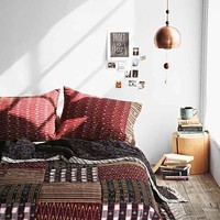4040 Locust Zumi Quilt- Red Full/queen