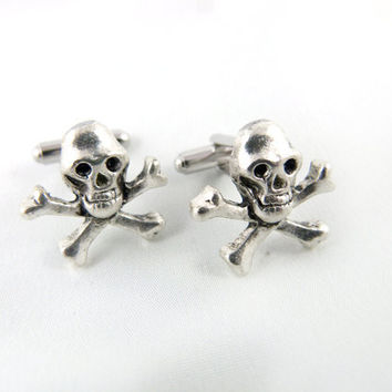 Skull and Crossbones Cuff Links by angelyques on Etsy