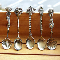 Kitchen Dining Bar Vintage Royal Style Bronze Carved Small Coffee Spoon Flatware Cutlery Mini Dessert Spoon For Snacks 99