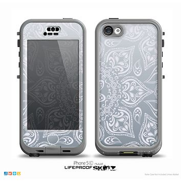 The Intricate White and Gray Vector Pattern Skin for the iPhone 5c nüüd LifeProof Case