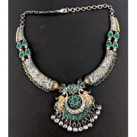 Silver look alike Kemp stone Peacock Pendant 2 tone Choker Necklace