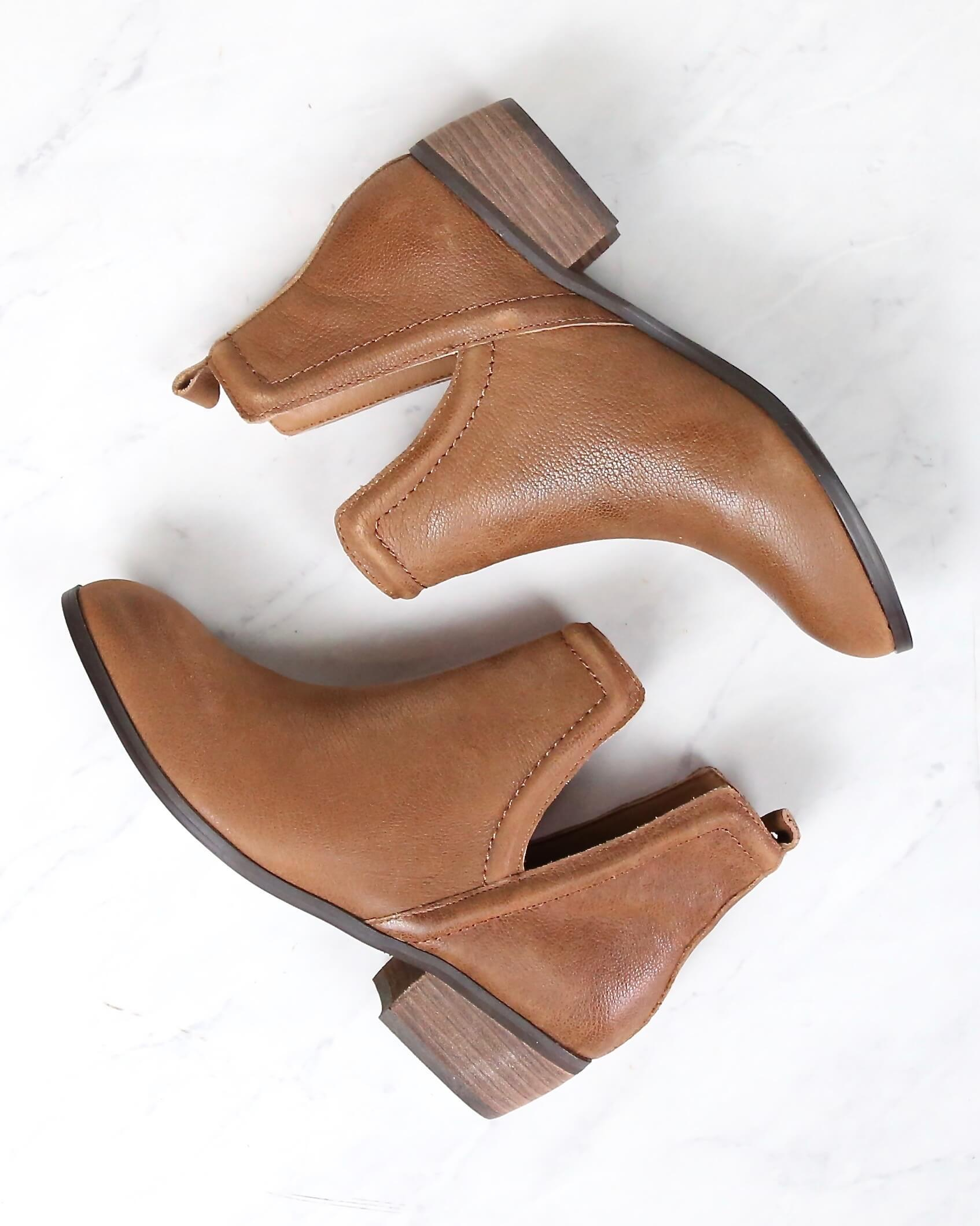 Image of Sbicca - Silvercity Side Slit Leather Chelsea Boots in Tan