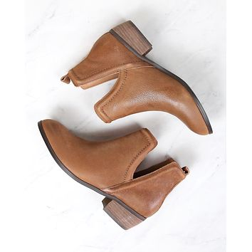 Sbicca - Silvercity Side Slit Leather Chelsea Boots in Tan
