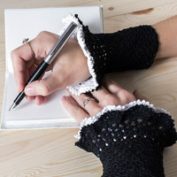 Lace cuffs Crochet arm warmers Womens wrist warmers Gothic lolita Romantic fingerless gloves Black and white
