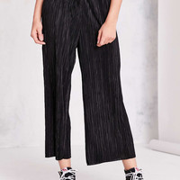 Silence + Noise Sasha Accordion Pleat Culotte Pant - Urban Outfitters