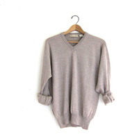 simple vneck Sweater. thin wool sweater. size M