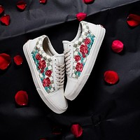 shosouvenir  Vans Checkerboard Slip-On Classical lattice Rose Embroidery Fashionable casual shoes