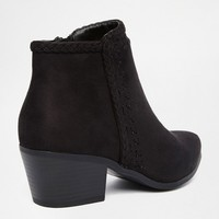 New Look Western Stitch Detail Boot