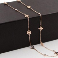 ESBV9O LV Louis Vuitton Hot Small Flower Necklace Titanium Steel Sweater Necklace Accessories Decoration