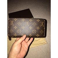 AUTHENTIC LOUIS VUITTON ZIPPY WALLET MONOGRAM CANVAS