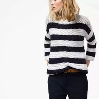 Black And White Long-Sleeve Knitted Sweater