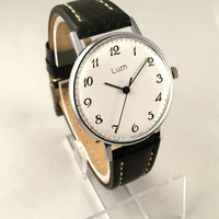 """Sleek Vintage Men's """"RAY"""" (Luch) wristwatch. Classic dial, round face, mechanical USSR watch. Gift for him"""
