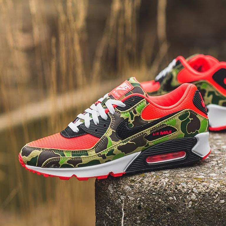 Image of Nike Air Max 90 camouflage contrasting retro cushioned running shoes