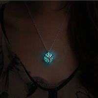 Magic Round Fairy Glow In The Dark Pendant Necklace Gift Glowing Luminous Vintage
