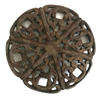 Antique Cast Iron Simmering Cover for Wood Stove Cooking Vintage Kitchen Rusty Cast Iron Trivet Farmhouse Decor Slow Cooking Rustic Decor