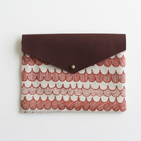 Envelope Pouch - red scallop
