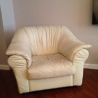 Cream Leather Chair-Comfortable Good condition