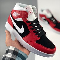 Air Jordan 1 Mid sneakers men and women basketball shoes