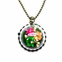 Terrarium Jewelry, Preserved Moss Necklace, Tiny Dried Flowers, Glass Dome, Woodland Style, Forest Inspired, Real Plants, Botanical Gift