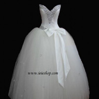 Strapless Princess Wedding V Neck Tulle Debutante Ball Gown with Bow
