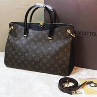 Louis Vuitton Women Fashion Leather Handbag Bag Boston Bag Black