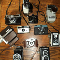 11VINTAGE CAMERAS,  COLLECTION, Eleven (11) Vintage and Antique  Cameras  For Sale in One Lot