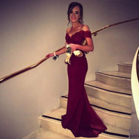Elegant Burgundy Evening Dresses Long V Neck Lace Appliques Sweep Train Mermaid Evening Party Gowns Beading Party Prom Gown