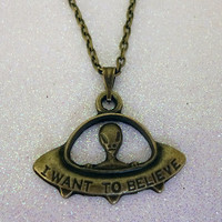 I want to believe Alien UFO Necklace X-Files