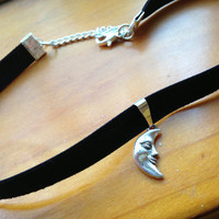 Crescent Moon Velvet Choker Necklace by PushiingDaisies on Etsy