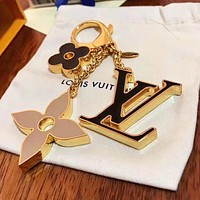 LV Louis Vitton Key Chain Stylish Logo Buckle Classic Car Key Ring