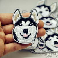1 Pcs Husky Dog Embroidered Iron on Patches for Clothing Apparel Accessories Garment Sewing Stickers Appliques Badge 4.5*5.8 CM