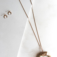 Horn Necklace and Earring Set in Taupe