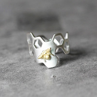 Sterling Silver Honeycomb Adjustable Ring with Gold Plated Bee by Fashnin.com