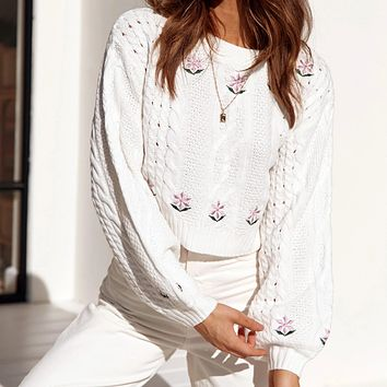 2020 autumn new women's flower embroidery solid color long-sleeved sweater