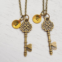 best friend necklaces set, valentines gift, best friend jewelry, heart key jewelry, personalized gift, bff, sister gift, romantic key gift